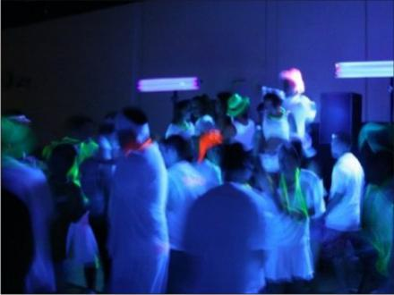 blacklight-dance-party